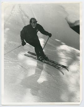 Close up of Pierre Trudeau Skiing