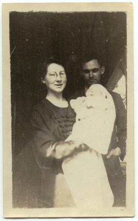 Frank and Edith Tapley with their newborn