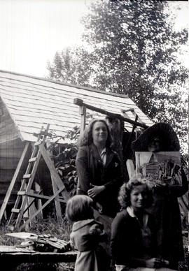 Louise Betts with Maurcia Sloan and her art teacher