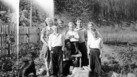 Jardine / Neiland family with Woods children